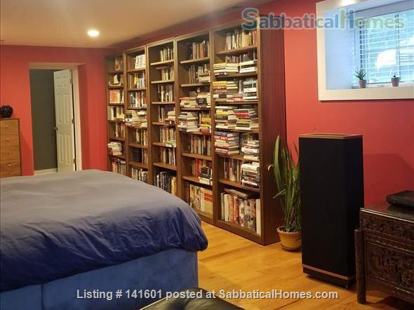 Fully-Furnished 2 BR 2 BA  Duplex Condo Walkable to Yale Home Rental in New Haven, Connecticut, United States 7