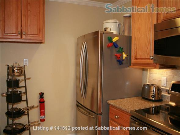 Heart of Elmwood Studio ~  Location is Everything! All Inclusive Turn-key solution for visiting professionals! Home Rental in Berkeley, California, United States 2