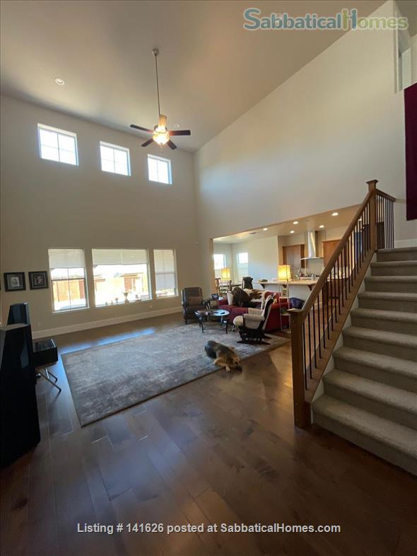 Lovely Suite in Beautiful Home in Whispering Canyon Gated Community Home Rental in Reno, Nevada, United States 7