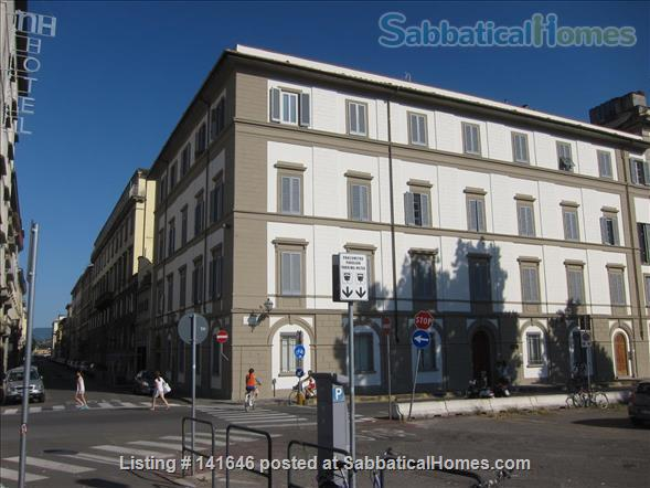 Bright old fashioned apartment, located in the historical center of Florence Home Rental in Florence, Toscana, Italy 1