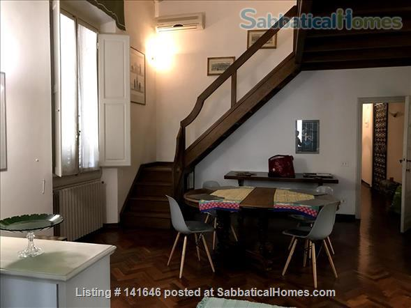 Bright old fashioned apartment, located in the historical center of Florence Home Rental in Florence, Toscana, Italy 2