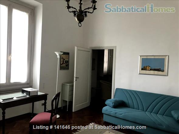 Bright old fashioned apartment, located in the historical center of Florence Home Rental in Florence, Toscana, Italy 3