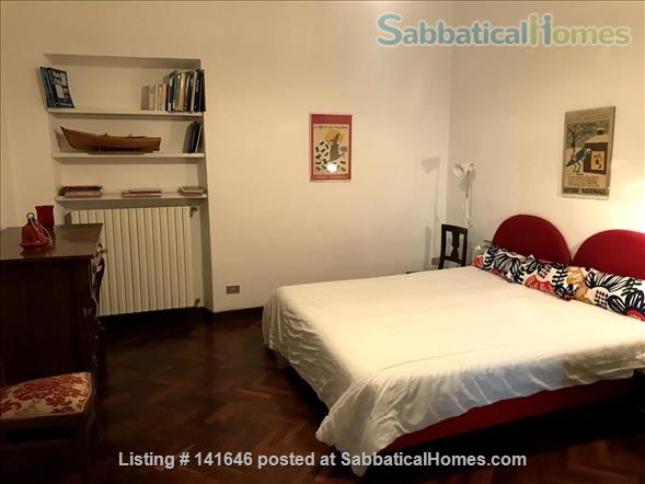 Bright old fashioned apartment, located in the historical center of Florence Home Rental in Florence, Toscana, Italy 4