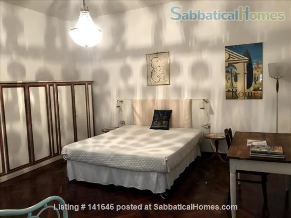 Bright old fashioned apartment, located in the historical center of Florence Home Rental in Florence, Toscana, Italy 5
