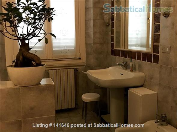Bright old fashioned apartment, located in the historical center of Florence Home Rental in Florence, Toscana, Italy 8