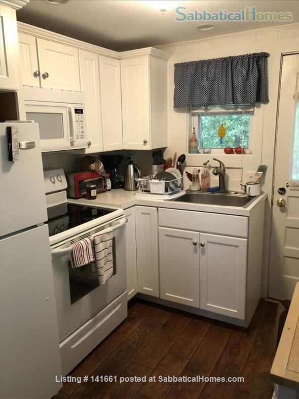 Fresh, Bright, Fully Winterized Cottage: Fall/Winter Respite, Ogunqit ME Home Rental in Ogunquit, Maine, United States 8