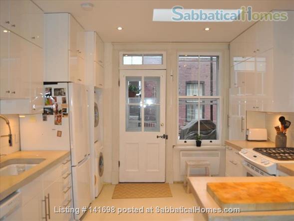 Luminous Loft Home Rental in Montreal, Quebec, Canada 6