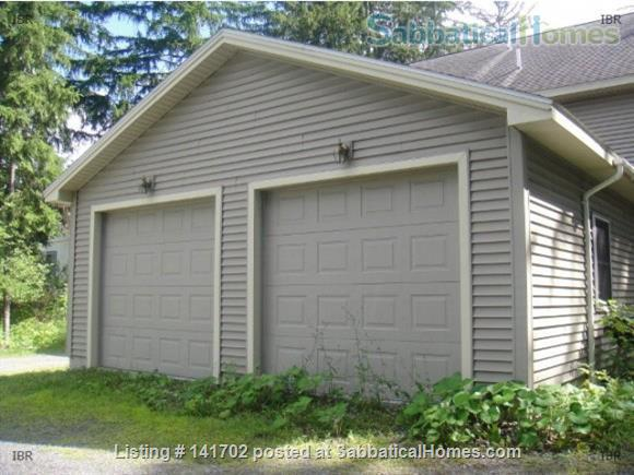 3BR+2.5Bath Exceptional Cayuga Heights - Walking Distance to Cornell Home Rental in Ithaca, New York, United States 8