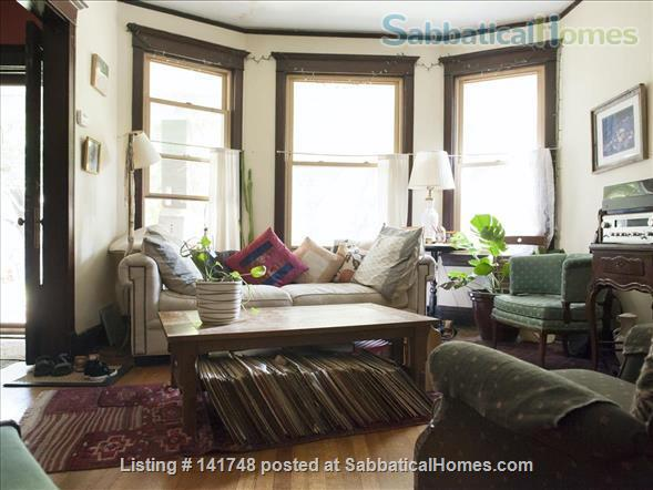 Beautiful Victorian with Old Growth Forest Backyard and Garden Home Rental in Chicago, Illinois, United States 2