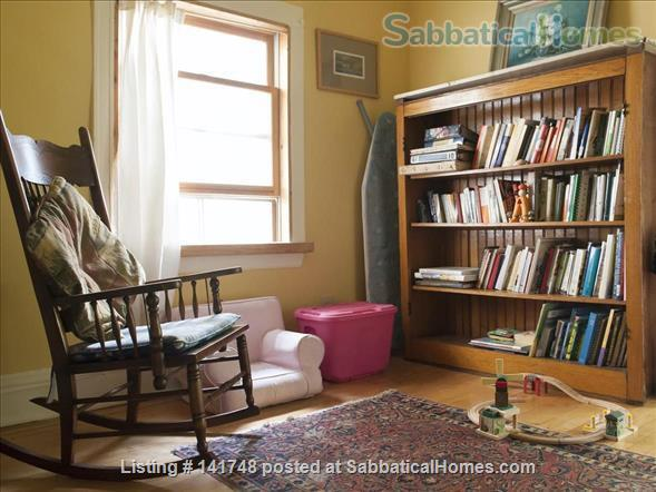 Beautiful Victorian with Old Growth Forest Backyard and Garden Home Rental in Chicago, Illinois, United States 3