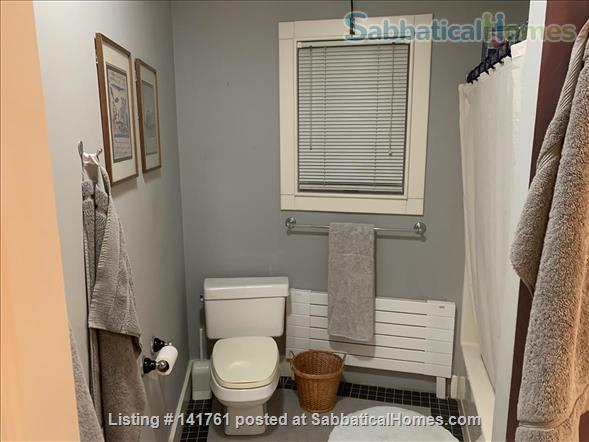 Room with Separate Full Bath to Rent to Woman Home Rental in Cambridge, Massachusetts, United States 4