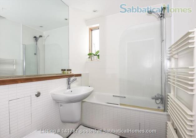 Modern two-bedroom flat in North Oxford Home Rental in Oxford, England, United Kingdom 4