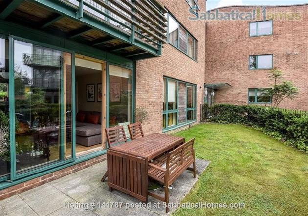 Modern two-bedroom flat in North Oxford Home Rental in Oxford, England, United Kingdom 5