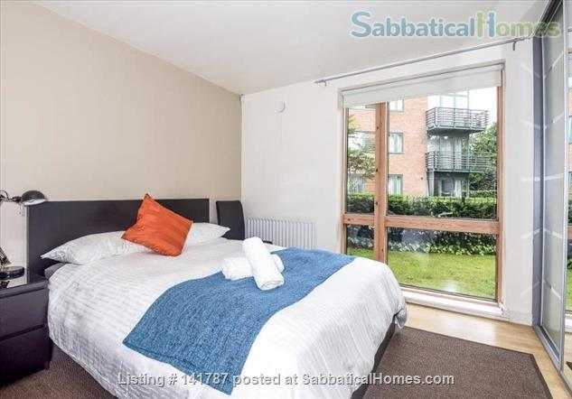 Modern two-bedroom flat in North Oxford Home Rental in Oxford, England, United Kingdom 6