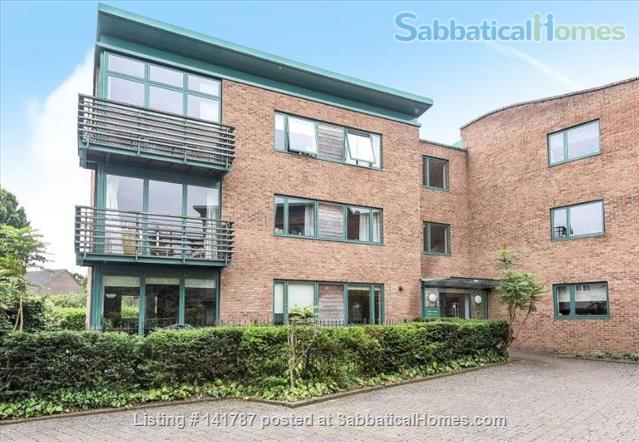 Modern two-bedroom flat in North Oxford Home Rental in Oxford, England, United Kingdom 7