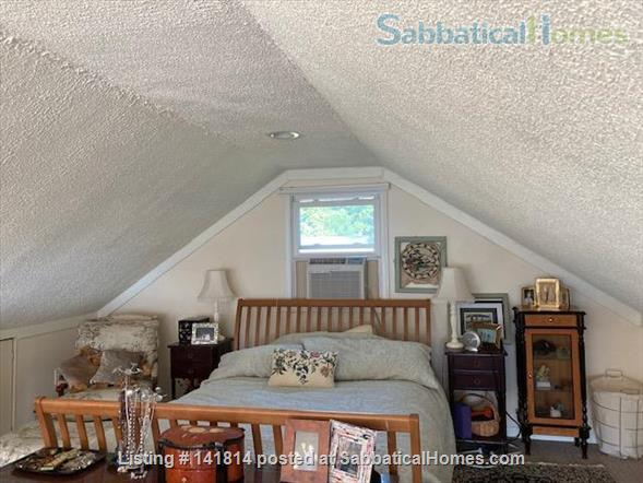 Lakehouse Writer's Retreat (with good internet) Home Rental in Dundee, New York, United States 5