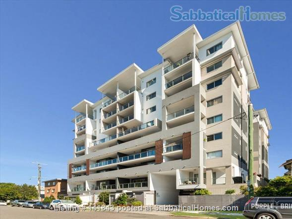 Spacious Large Apartment- -Ideally located Home Rental in Woolloongabba, QLD, Australia 2