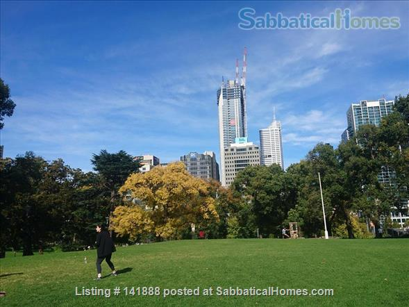 Boutique Spacious Downtown 2-bedroom Art Apartment, Luxury Old World Charm Home Rental in Melbourne, VIC, Australia 2