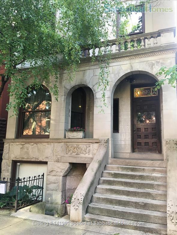 Lovely garden apartment in Chicago's Lincoln Park neighborhood Home Rental in Chicago, Illinois, United States 0