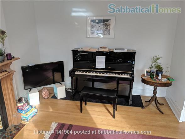 2 Bdrm Large Apartment in Victorian/ Parkdale Toronto Home Rental in Toronto, Ontario, Canada 6