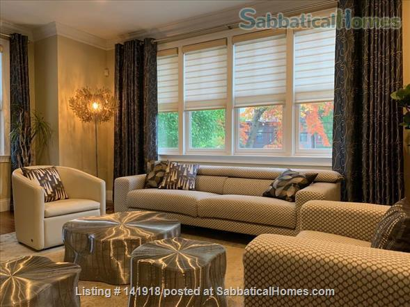 Beautiful & Large Townhouse in Brookline, MA Home Rental in Brookline, Massachusetts, United States 0