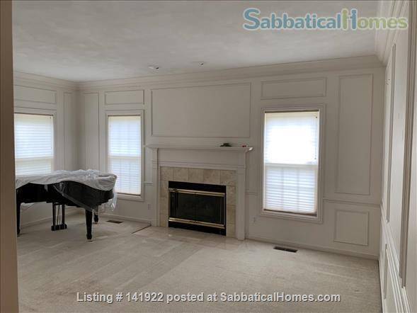 Five bedroom home for rent in Madison, Wisconsin Home Rental in Madison, Wisconsin, United States 8
