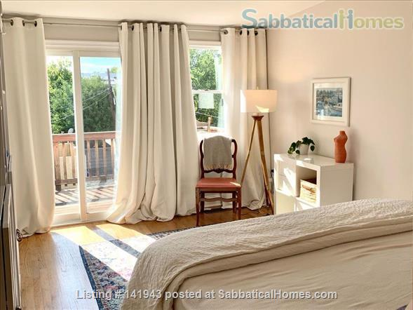 Updated 2BR/2.5BA Dog-Friendly Row Home in Capitol Hill with Parking! Home Rental in Washington, District of Columbia, United States 0