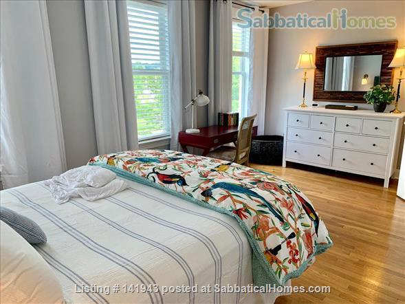 Updated 2BR/2.5BA Dog-Friendly Row Home in Capitol Hill with Parking! Home Exchange in Washington, District of Columbia, United States 3