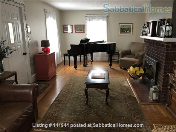 Beautiful, Furnished, 1st Floor Apartment in Desired Spring Glen area of Hamden! Home Rental in Hamden, Connecticut, United States 4