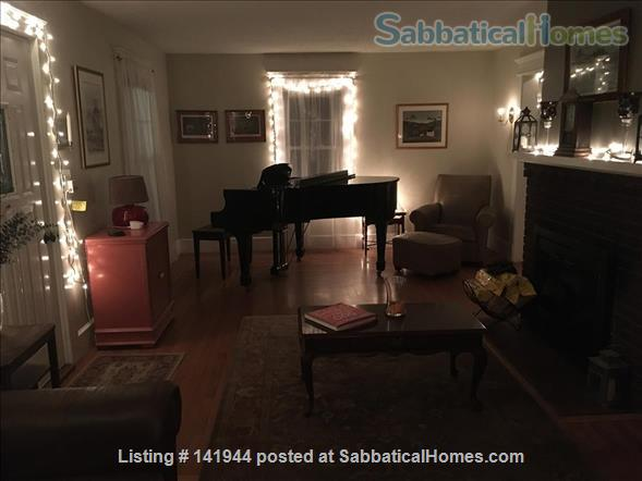 Beautiful, Furnished, 1st Floor Apartment in Desired Spring Glen area of Hamden! Home Rental in Hamden, Connecticut, United States 8
