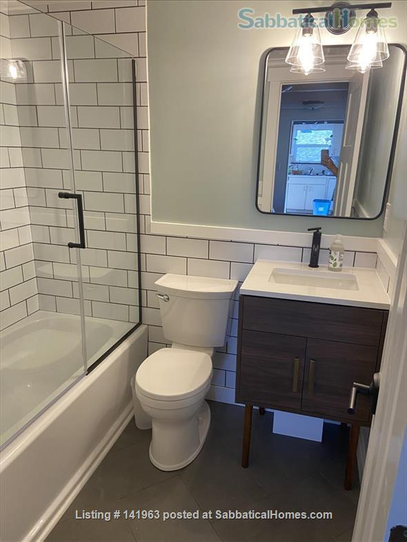 Spacious  furnished 3 BD Home, views of Mt. Rainier and city Home Rental in Seattle, Washington, United States 5