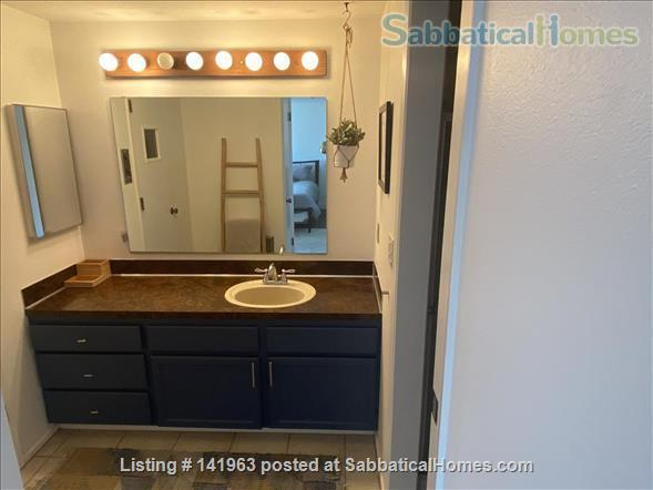 Spacious  furnished 3 BD Home, views of Mt. Rainier and city Home Rental in Seattle, Washington, United States 6
