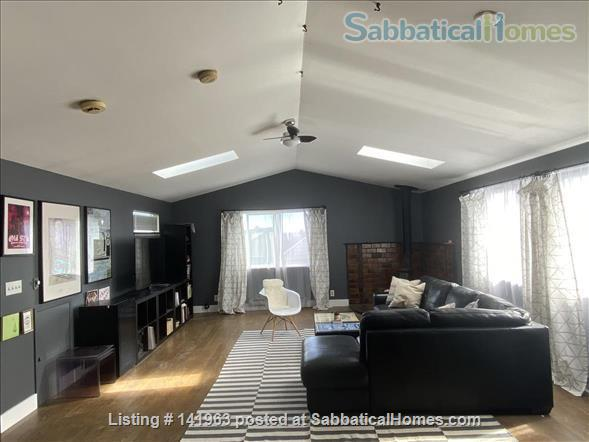 Spacious  furnished 3 BD Home, views of Mt. Rainier and city Home Rental in Seattle, Washington, United States 7
