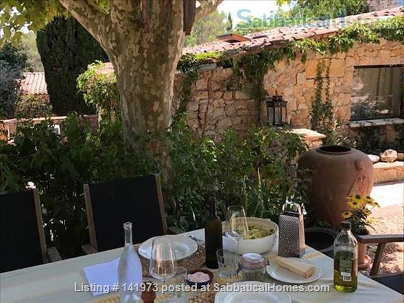 La Bergerie, writing retreat Home Rental in Saint-Paul-en-Forêt, Provence-Alpes-Côte d'Azur, France 2