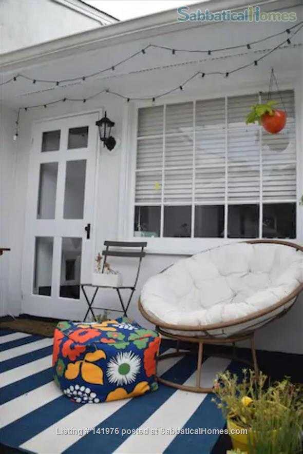 Sunny 2 Bedroom Condo Near NCSU/Cameron Village Home Rental in Raleigh, North Carolina, United States 3