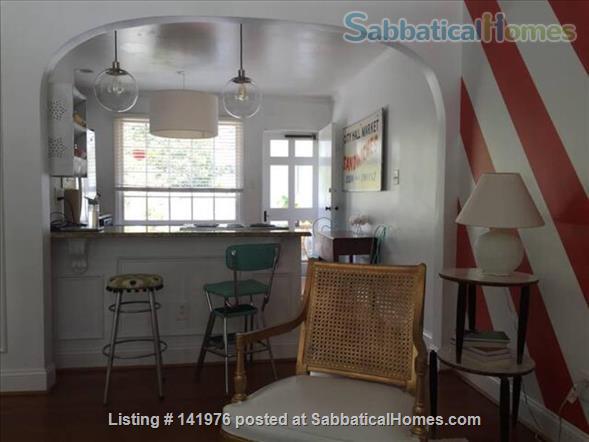 Sunny 2 Bedroom Condo Near NCSU/Cameron Village Home Rental in Raleigh, North Carolina, United States 7