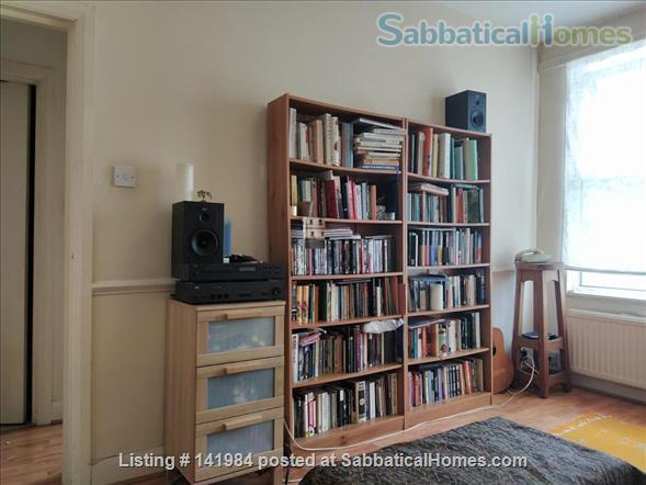 Sunny one bedroom flat in hip Brockley walk to Goldsmiths Home Rental in London, England, United Kingdom 1