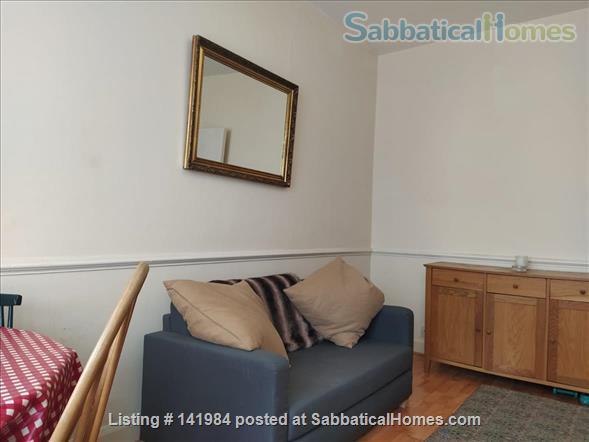 Sunny one bedroom flat in hip Brockley walk to Goldsmiths Home Rental in London, England, United Kingdom 4
