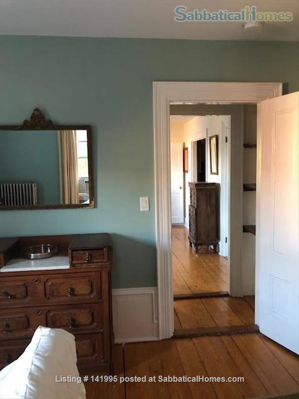 Furnished 2 bedroom 2 bathroom apartment in Victorian duplex Home Rental in Brookline, Massachusetts, United States 0