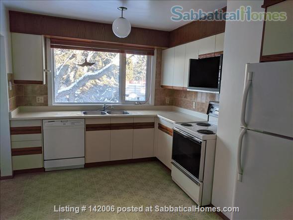 Family home for rent in Belgravia. Walk to University of Alberta. Home Rental in Edmonton, Alberta, Canada 9