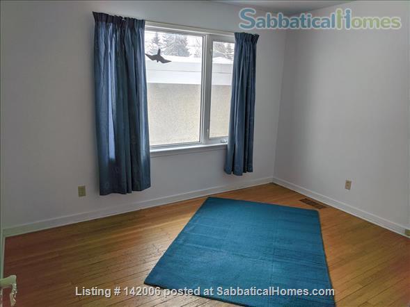Family home for rent in Belgravia. Walk to University of Alberta. Home Rental in Edmonton, Alberta, Canada 5