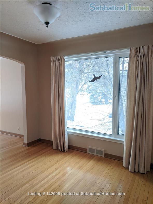 Family home for rent in Belgravia. Walk to University of Alberta. Home Rental in Edmonton, Alberta, Canada 7