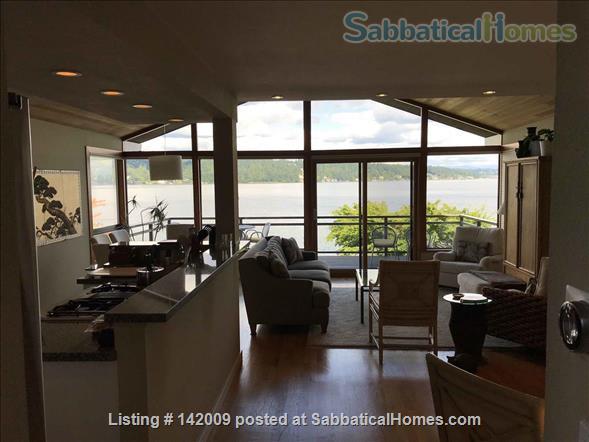 Lake Washington waterfront (in city) Home Rental in Seattle, Washington, United States 4