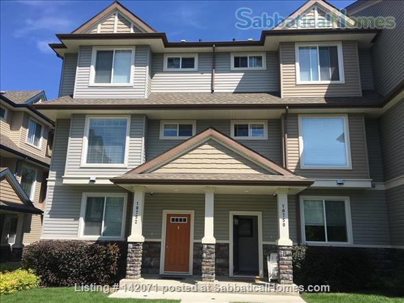 Stunning Townhouse in Perfect Location Home Exchange in Edmonton, Alberta, Canada 1