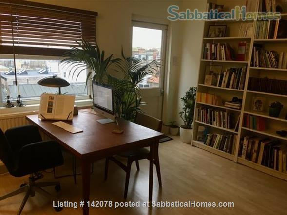 Beautiful apartment in London with stunning view over the city Home Rental in Chalk Farm, England, United Kingdom 2