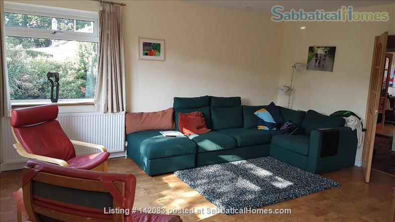 Sunny detached home for let or exchange Home Exchange in Kenilworth, England, United Kingdom 2