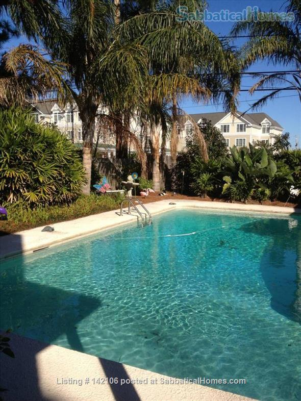 Furnished Poolside Independent Studio Home Rental in Metairie, Louisiana, United States 1