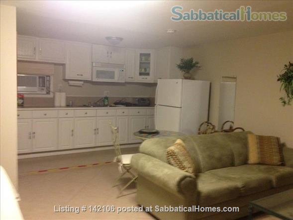 Furnished Poolside Independent Studio Home Rental in Metairie, Louisiana, United States 2