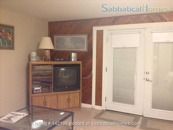 Furnished Poolside Independent Studio Home Rental in Metairie, Louisiana, United States 3