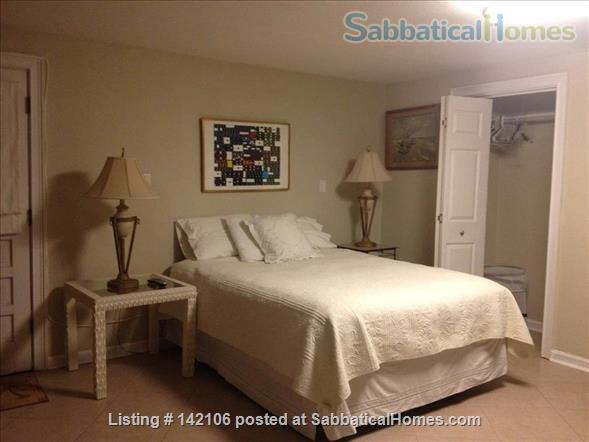 Furnished Poolside Independent Studio Home Rental in Metairie, Louisiana, United States 4